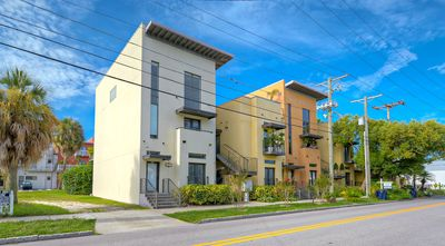 Affordable modern luxury - 2 BD / 2 Baths in YBOR City