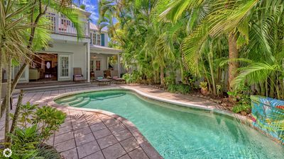 **BAHAMIAN BAMBOO @ THE ANNEX**  Chic Home By Duval & Beach + LAST KEY SERVICES.