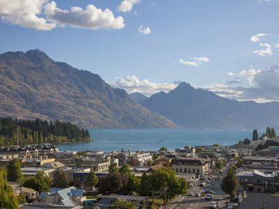 Photo for Expansive home in the Heart of Queenstown with Stunning Views.