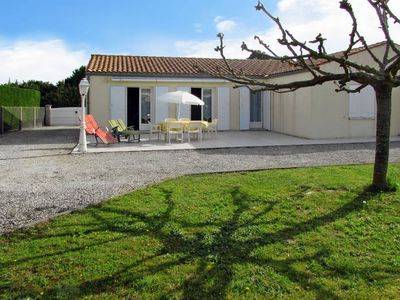 Photo for Vacation home Les Kiwis  in St. Pierre d'Oléron, Charente - Maritime - 6 persons, 3 bedrooms