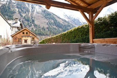 Covered hot tub, views of Mont Blanc