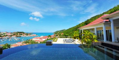 3 bedroom spacious villa with a panoramic view of the ocean from all rooms