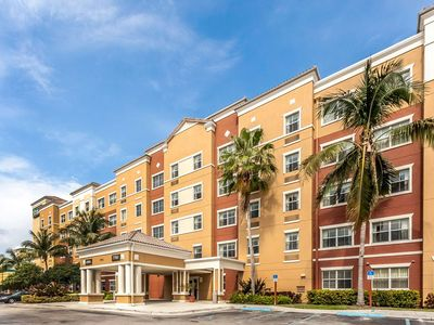 Photo for 1 bedroom accommodation in Doral