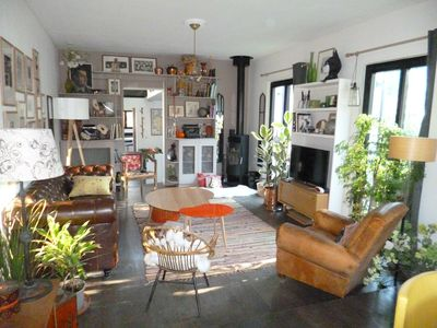Photo for Pretty house + garden, sleeps 8, 7 minutes from metro Villejuif Paul V. dressmaker