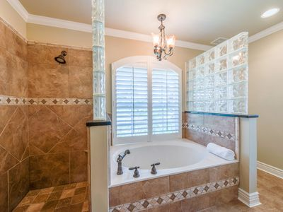 Charming In The Bright Master Bath, Get Refreshed In The Huge Shower, And Big Garden