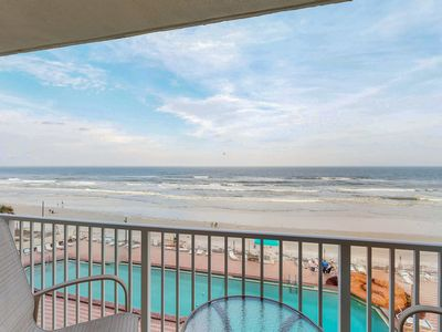Photo for Cozy beachfront condo with shared pool, hot tub, game room, and gym