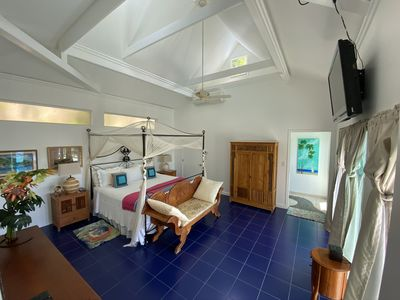 Photo for Luxury Villa with Great Ocean Views - Private and close to town