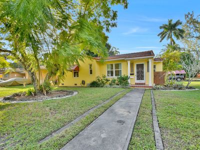 Photo for Cozy Miami oasis in the heart of Biscayne Park!