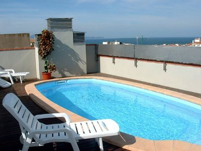 Photo for Air-conditioned apartment ideal for families. Very close to the beach!
