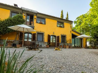 Photo for Tuscan farmhouse with park and swimming pool - Grandmother