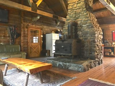 Photo for Beautiful Ranch Style Post and Beam Cabin