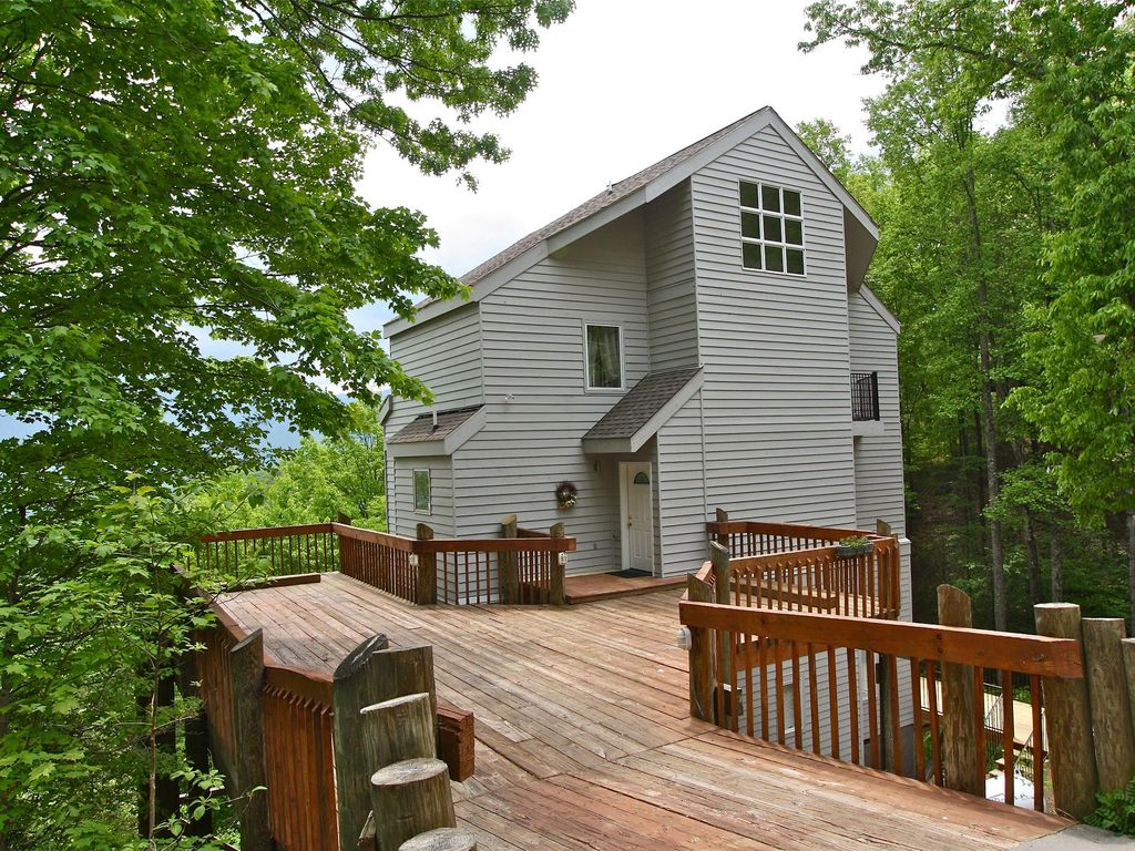 Fantastic view four floors of luxury just vrbo for Gatlinburg cabins for couples