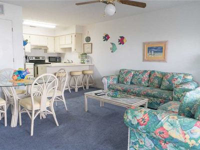 Photo for 1 BR / 1 BA condo in, Sleeps 6, Walking Distance to Beach, Pool