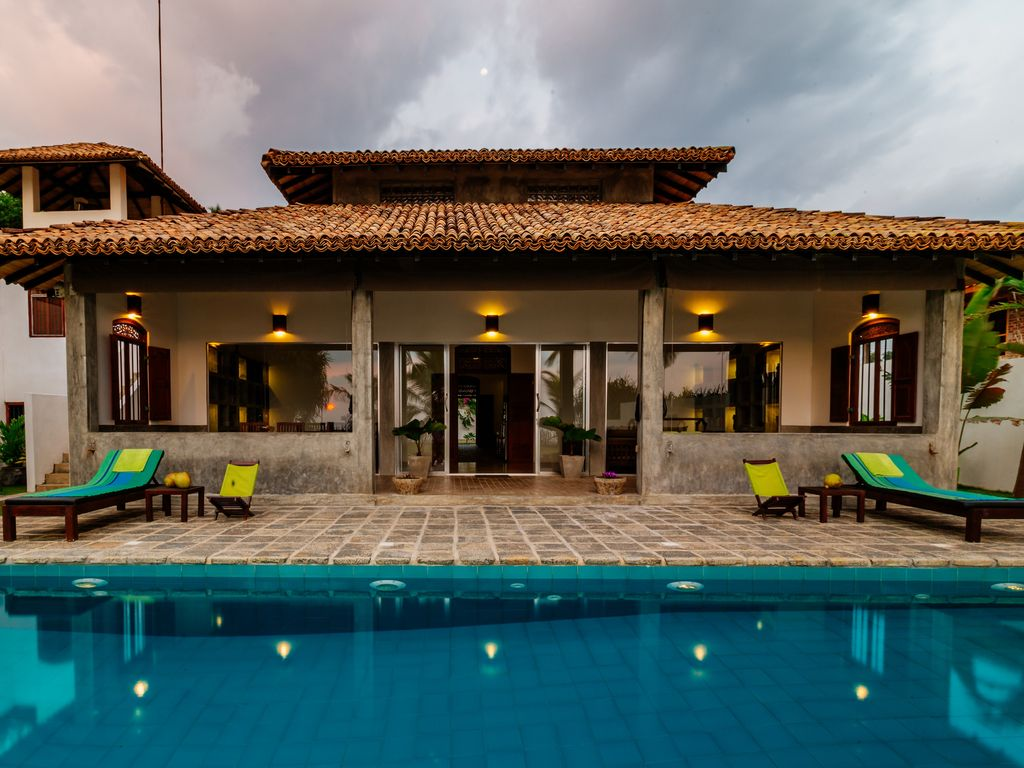 Right On The Beach With Privet Swimming Pool And Unlimited 4g Internet With A C Ambalangoda