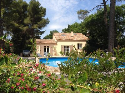 Photo for Charming Villa with Swimming pool in the heart of Provence