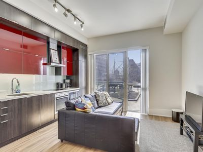 Photo for Luxury Condo on Front Street West II (218)