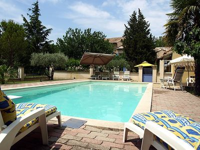 Photo for 4 bedroom Villa, sleeps 11 in Althen-des-Paluds with Pool, Air Con and WiFi