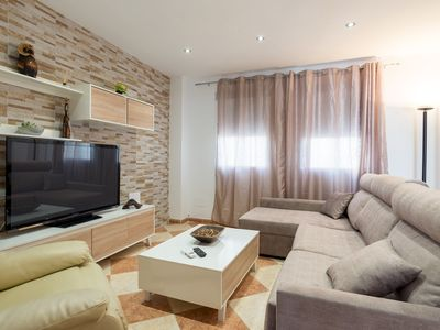 Photo for Sunny Beach apartment in Carretera de Cádiz with WiFi, air conditioning, private terrace & lift.