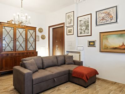 Photo for Charming and bright flat in Trastevere