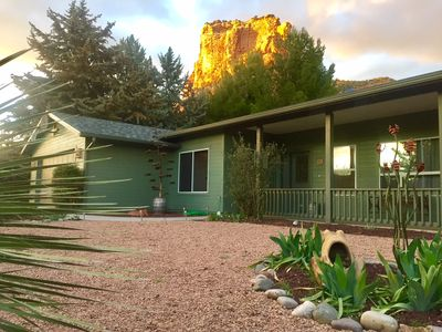 Incredible Red Rock Views right from the Fenced Backyard!
