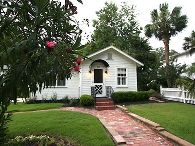 Photo for Historic Bonny Cottage in downtown Beaufort SC