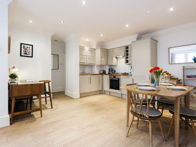 Photo for The Talbot Road Gem - DPR - One Bedroom Apartment, Sleeps 4