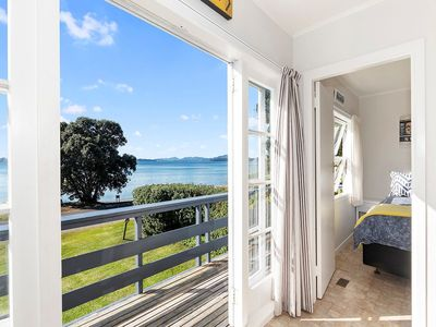 Photo for Pencarrow Cottage - Russell Holiday Home