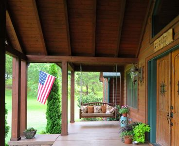 Photo for Central Lookout Mtn. Location - 25 min to Chattanooga- 6 Beautiful Acres to Roam