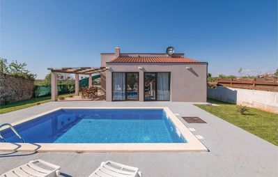 Photo for Villa with pool near old town Vodnjan