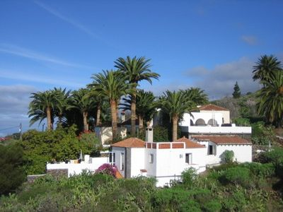 Photo for Cozy house surrounded by palms, western, views to the Atlantic, best climate