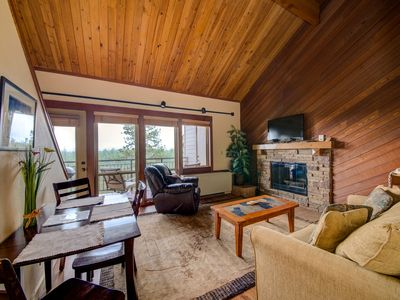 Photo for Lovely Updated 2 Bedroom Condo at Seventh Mountain Resort DCCA#076