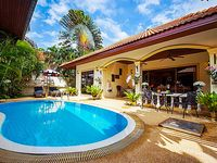Nice and cosy villa with private pool.