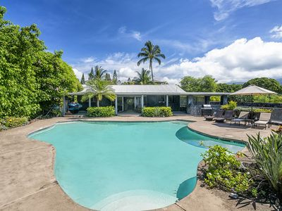 Photo for Pahukoa Hale - Direct Ocean Front Hawaiian Style home in Kona Bay Estates.