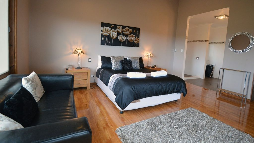 Waterview Retreat - Luxury Denmark Accommodation