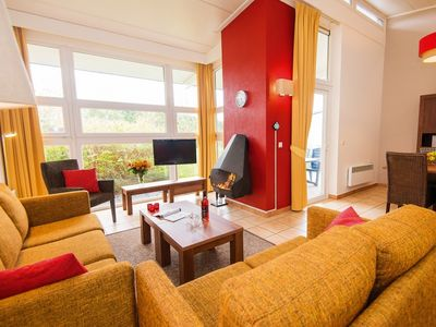 Photo for Bungalow in the holiday park Landal Village l'Eau d'Heure - Indoor public swimming pool (at a greatly reduced fee) and wellness centre