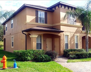 Premium Upgraded 4 BR Town Home