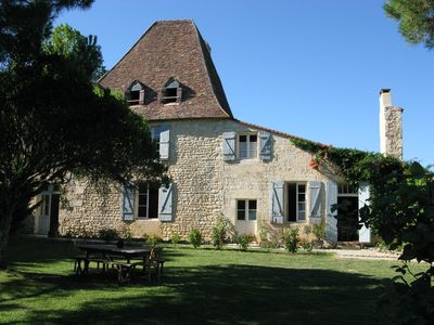 Photo for A large, pretty, antiquated house nestled among the vineyards of Bordelais.