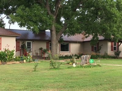 Photo for 2800 sq ft ranch, 3/4m to tenkiller lake, 30 min to tahlequah.