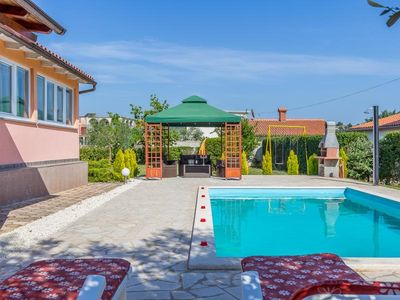 Photo for Villa with private pool, 3 bedrooms, 2 bathrooms, washing machine, WiFi, air conditioning, table tennis, terrace and barbecue area