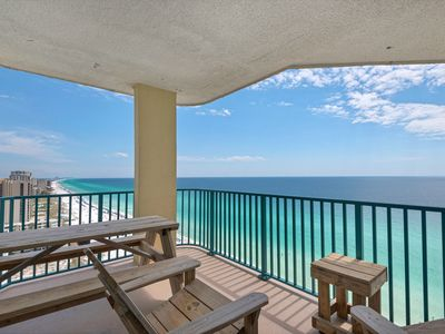 Photo for 18th Floor Spacious, beachfront condo, Stunning views, Near Everything