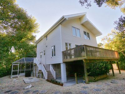 Photo for Beautifully Updated, 4 Bedroom Pool Home, 50 Yards to the Beach!! Captiva Escapade