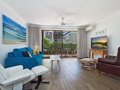 Photo for Cobden Court Unit 2 - Airconditioned unit in a beachside position Rainbow Bay