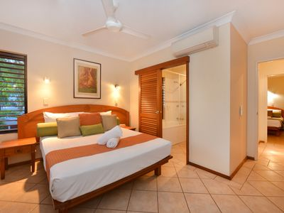 Photo for Seascape Holidays - Hibiscus Gardens 2 Bedroom Apartment