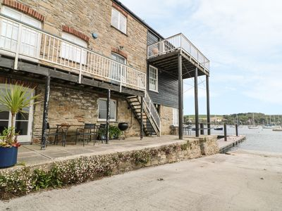 Photo for QUAYSIDE, family friendly, with a garden in Falmouth, Ref 972169