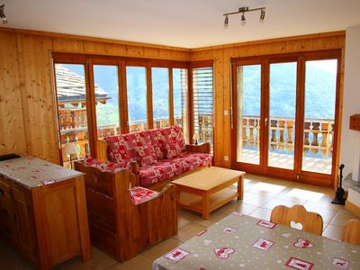 Photo for 2-Room apartment, 3 stars for 4 persons, situated at about 1km from the gondola lift and at about 70