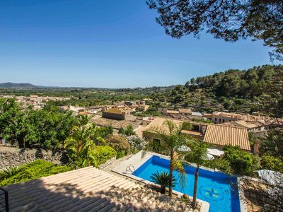 Photo for Encinas - Great house with pool on the edge of the mountains