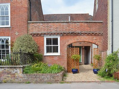 Photo for 1 bedroom property in East Meon. Pet friendly.