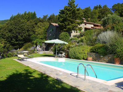 Photo for Tuscan Villa, Airconditioning Private pool Stunning views, internet,library, BBQ
