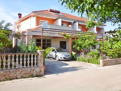 Photo for Apartments and rooms Jurica, (10166), Jelsa, Croatia