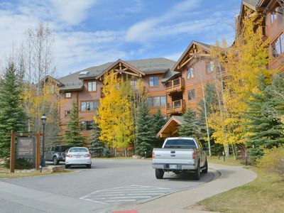 Photo for Ski-In/Gondola-Out, Walk To Town From Mountain Thunder 2BR/2BA Corner End Unit